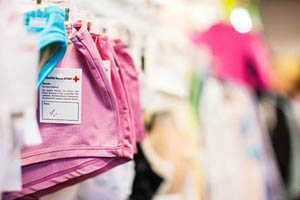Kleiderladen - Ihr Browser unterdrückt die Anzeige der Bilder. Bitte Grafiken zulassen oder Bilder anzeigen lassen.